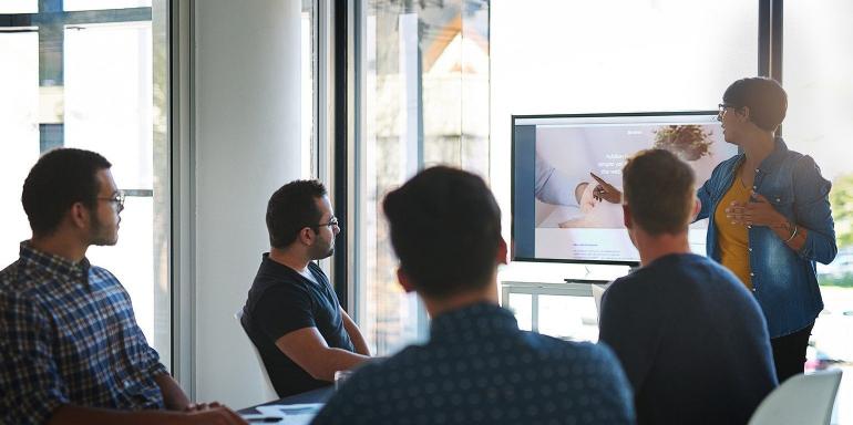 """5 questions auxquelles toute entreprise technologique doit répondre pour maîtriser le marketing de contenu """"Always On"""